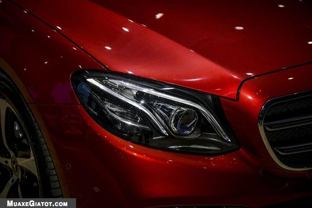 den xe mercedes benz e200 sport 2020 muaxegiatot com Đánh giá xe Mercedes E200 Sport 2021 - Giá cả phải chăng