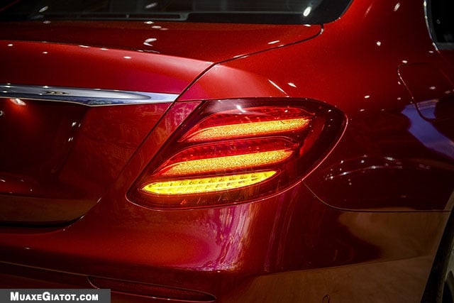 denhau mercedes benz e200 sport 2020 muaxegiatot com Đánh giá xe Mercedes E200 Sport 2021 - Giá cả phải chăng