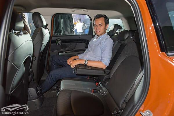 hang ghe sau xe mini countryman 2020 Xetot com 20  Đánh giá xe Mini Countryman 2021, Cá tính làm nên vẻ hấp dẫn