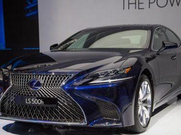 """Đánh giá xe Lexus LS 500h 2022 – mẫu sedan hạng sang """" bậc nhất"""" của Lexus"""