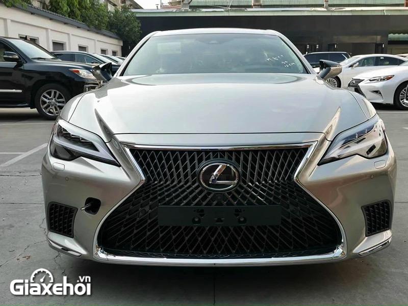 """can truoc xe lexus ls 500 2022 giaxehoi vn 1 800x601 1 Đánh giá xe Lexus LS 500 2022 - """"Cực phẩm"""" xe sang của thương hiệu Lexus"""