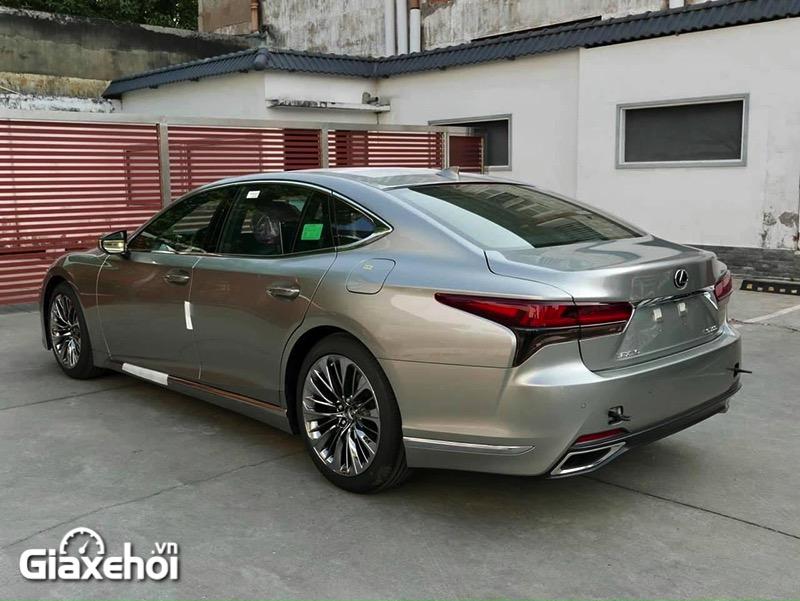 """than xe xe lexus ls 500 2022 giaxehoi vn 1 800x601 1 Đánh giá xe Lexus LS 500 2022 - """"Cực phẩm"""" xe sang của thương hiệu Lexus"""