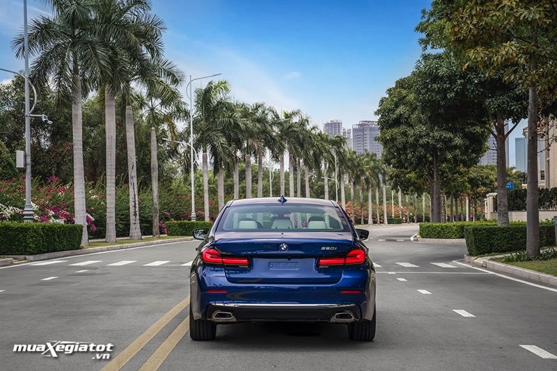 Duoi xe BMW 5 Series 2022 giaxehoi vn Đánh giá xe BMW 5 Series 2022 LCI: Thay đổi để dẫn đầu