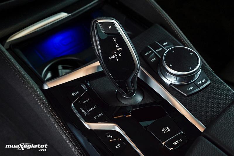 Hop so BMW 5 Series 2022 giaxehoi vn Đánh giá xe BMW 5 Series 2022 LCI: Thay đổi để dẫn đầu