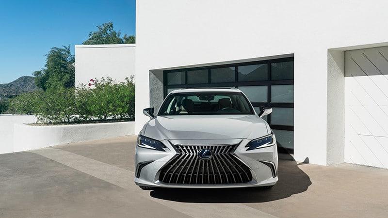 dau xe lexus es 2022 giaxehoi vn 800x450 1 Đánh giá xe Lexus ES 2022: Nhiều nâng cấp, bổ sung ấn tượng