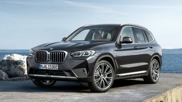 gia xe bmw x3 2022 muaxegiatot vn 373x210 Đánh giá xe BMW X3 2022: Mạnh mẽ, cuốn hút và hiện đại hơn