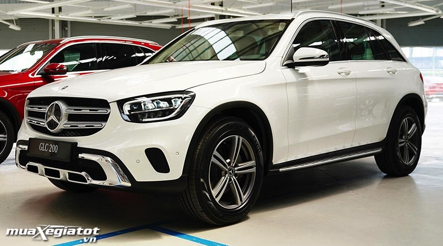 gia xe mercedes benz glc 200 2021 danhgiaxehoi vn 900x500 1 Những mẫu xe Mercedes GLC kèm giá bán tại Việt Nam
